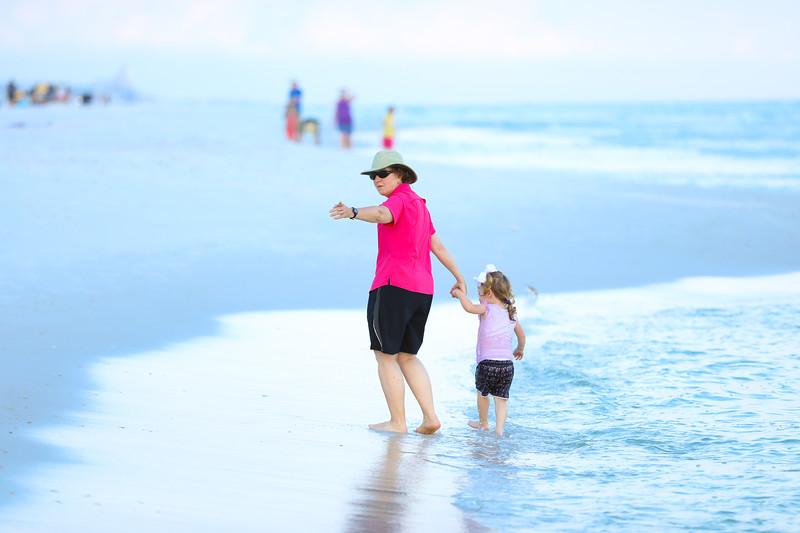 Harper at the beach-31.jpg