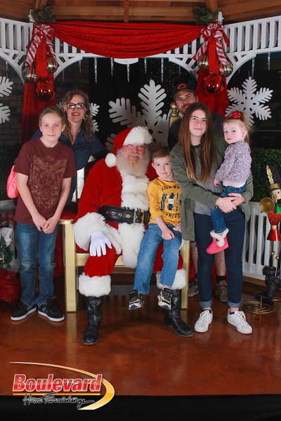 Santa 12-17-16-296.jpg