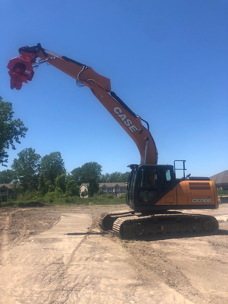 NPK C8CSD sheet pile driver on Case CX210D excavator - Monroe Tractor  06-20 (2).jpg