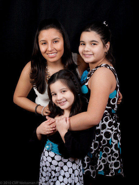Fuentes Family Portraits-8493.jpg