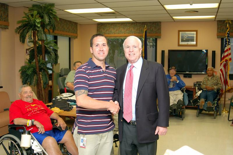 Sen McCain PVAHCS Visit 5-1-2010 5-25-56 PM.JPG