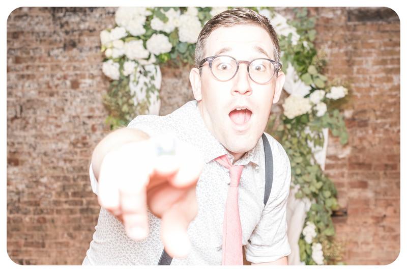 Laren&Bob-Wedding-Photobooth-114.jpg