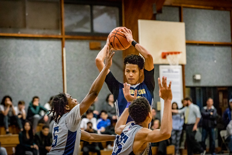 18_BBball_st-thomas-20-2.jpg