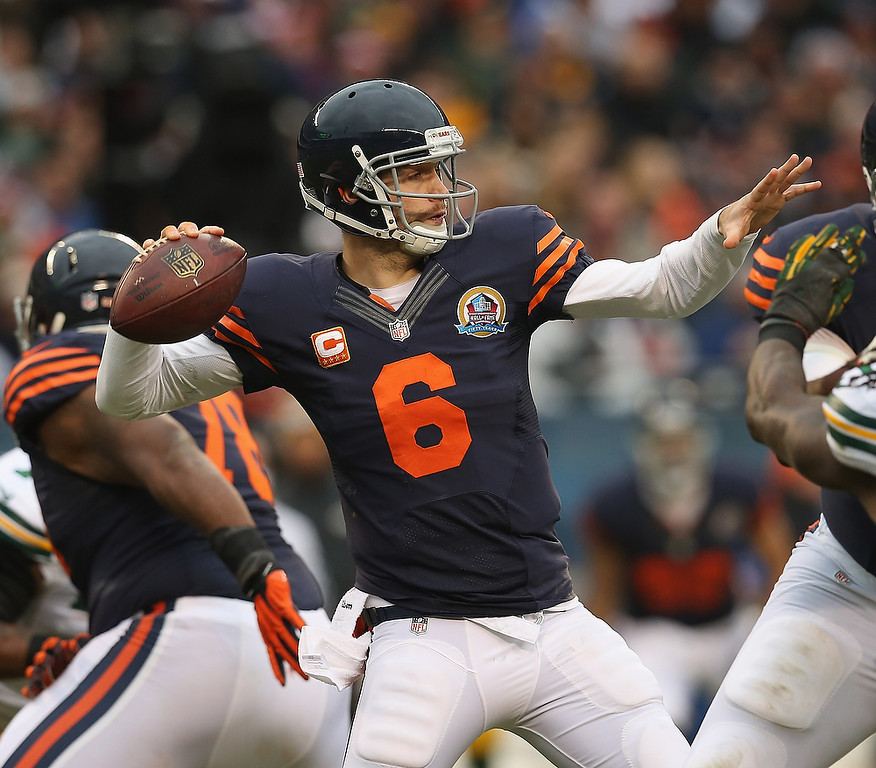 . Jay Cutler #6 of the Chicago Bears passes against the Green Bay Packers at Soldier Field on December 16, 2012 in Chicago, Illinois. (Photo by Jonathan Daniel/Getty Images)