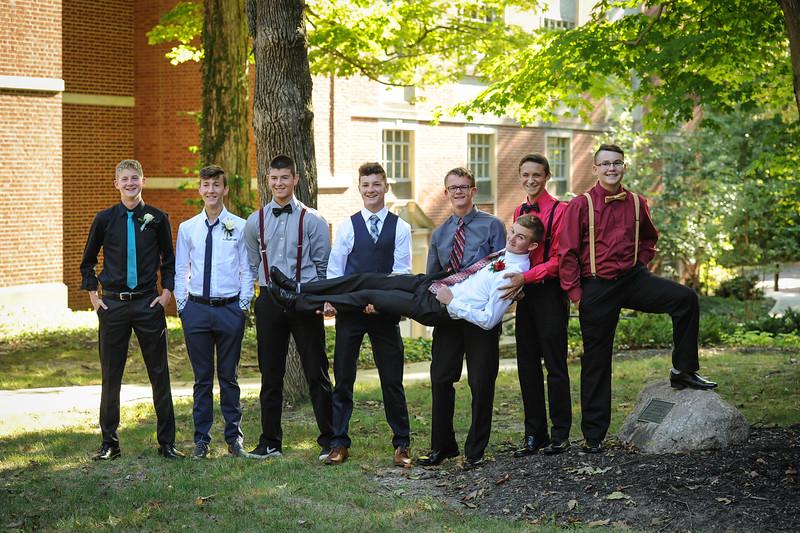 9-29-18 Bluffton HS Homecoming - Eden Nygaard and friends - 10th grade (Class of 2021)-3.jpg