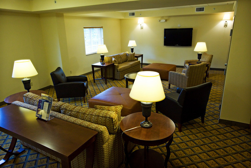 CANDLEWOOD SUITES FORT MYERS Living Room011.jpg