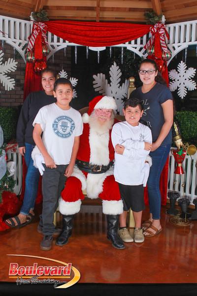 Santa 12-10-16-395.jpg