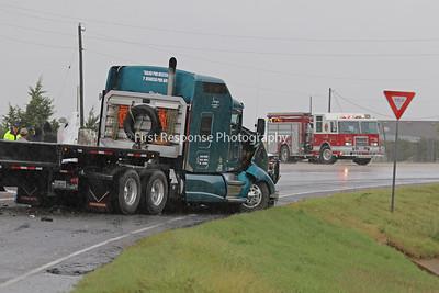 Westminster TX. Semi vs. Pick up MVA. Hwy 121/ CR 2862 1O/12/18