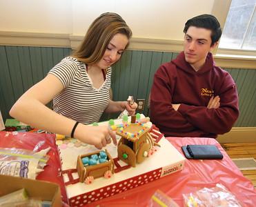 Dracut gingerbread house contest