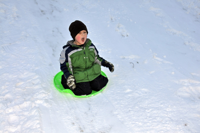 Playing in the Snow 04.jpg