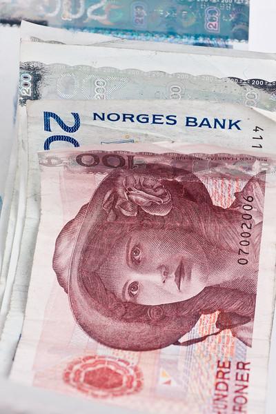 Penger-209