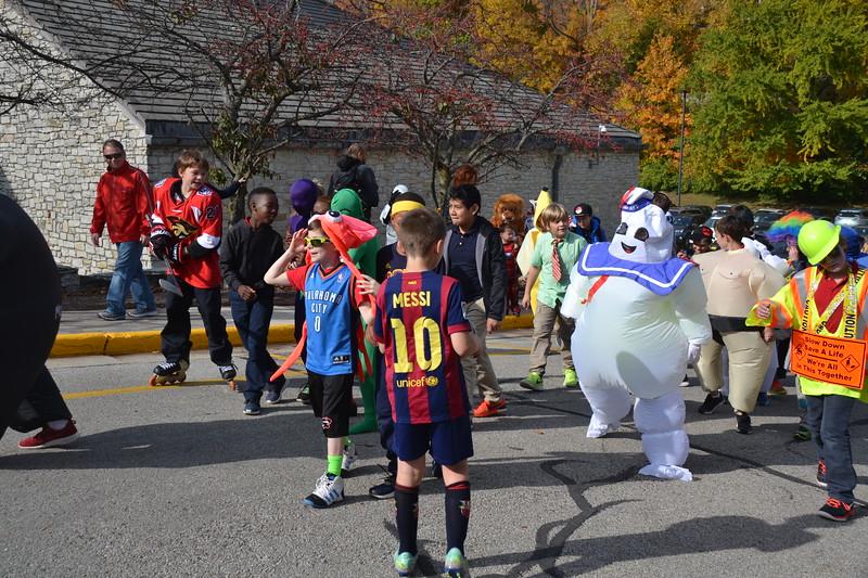 2016_10_31_HalloweenParade0074.JPG