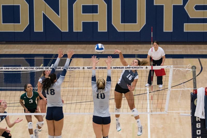 HPU Volleyball-92136.jpg