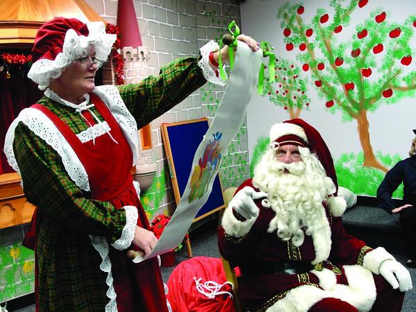 Santa visits library