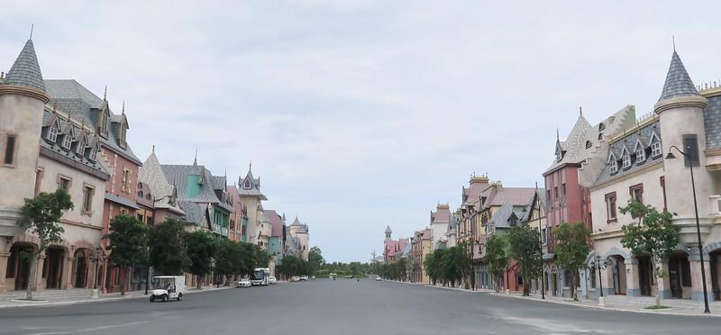 IMG_9584-vinwonders-castle-shops.jpg