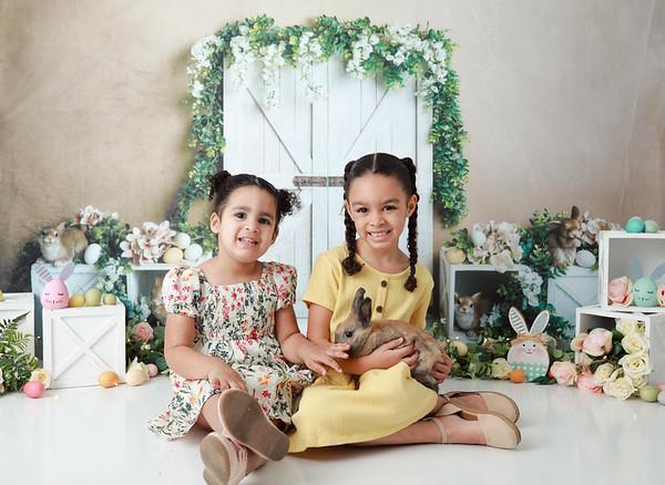 Chloe & Mia