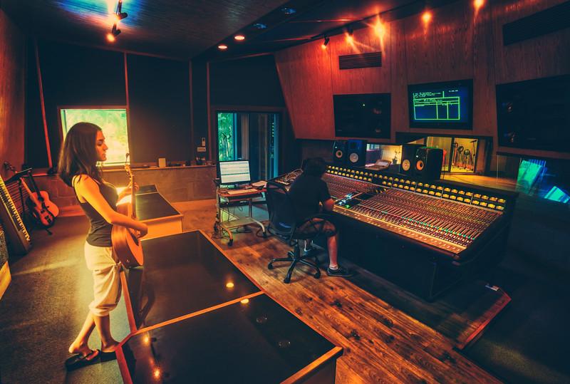 In Studio in Bang Saray
