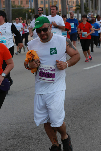 MB-Corp-Run-2013-Miami-_D0682-2480619340-O.jpg