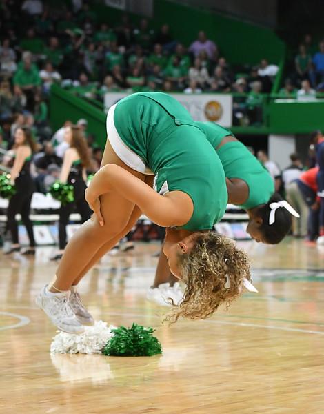 cheerleaders7493.jpg