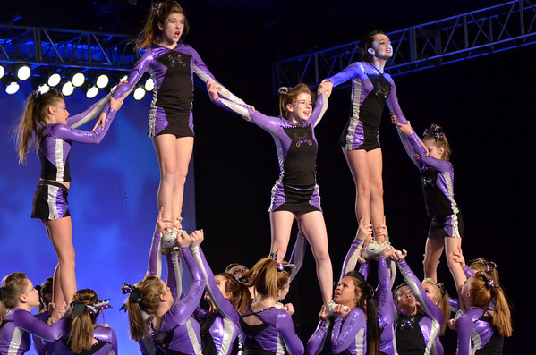 Cheerleading ----( 2011 - 2012 )