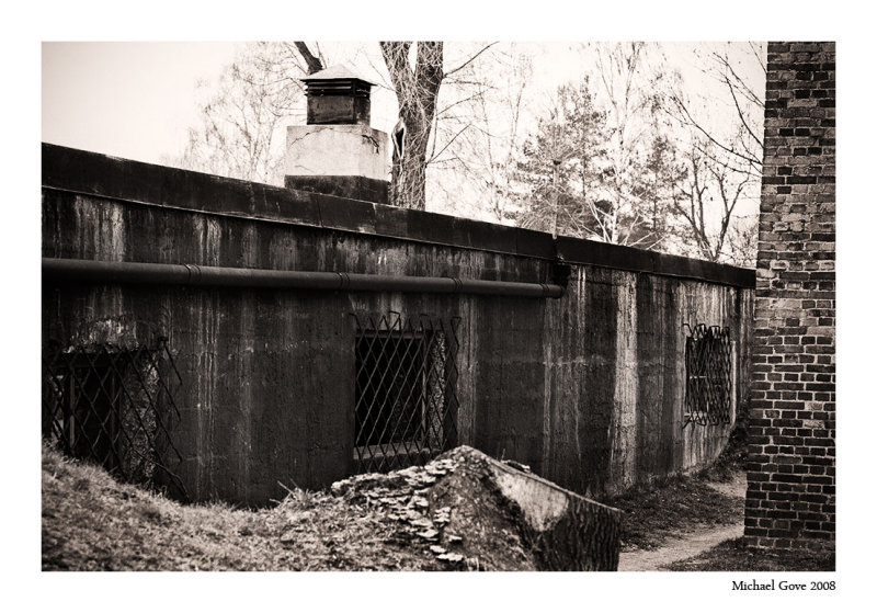 Side view of the CrematoriumGas chamber (94636894).jpg