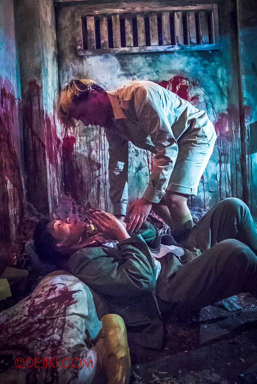 Halloween Horror Nights 6 - Old Changi Hospital / soldier POW fight