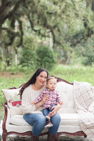 Holiday Minis- Acosta Family-16.jpg