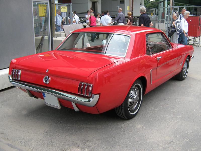 1965_Ford_Mustang_2D_Hardtop_Heck.jpg