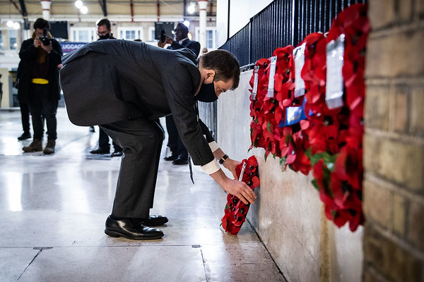 11/11/20 - Rail teams honour Unknown Warrior at Victoria 100 years on