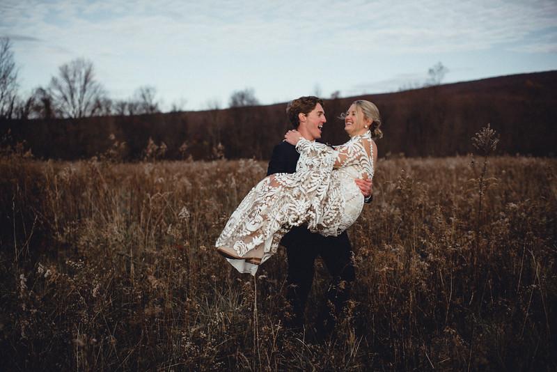 Requiem Images - Luxury Boho Winter Mountain Intimate Wedding - Seven Springs - Laurel Highlands - Blake Holly -909.jpg