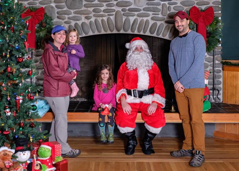 CB Santa 2019-7624.jpg