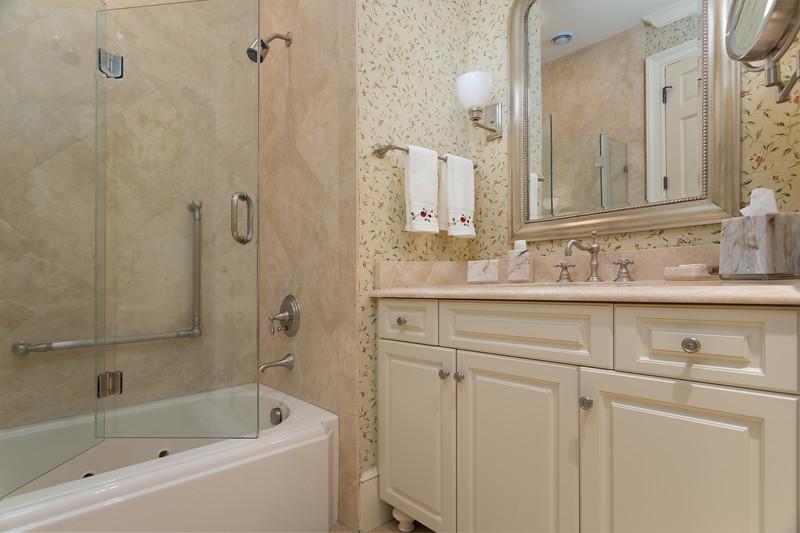 Br2-Bath.jpg