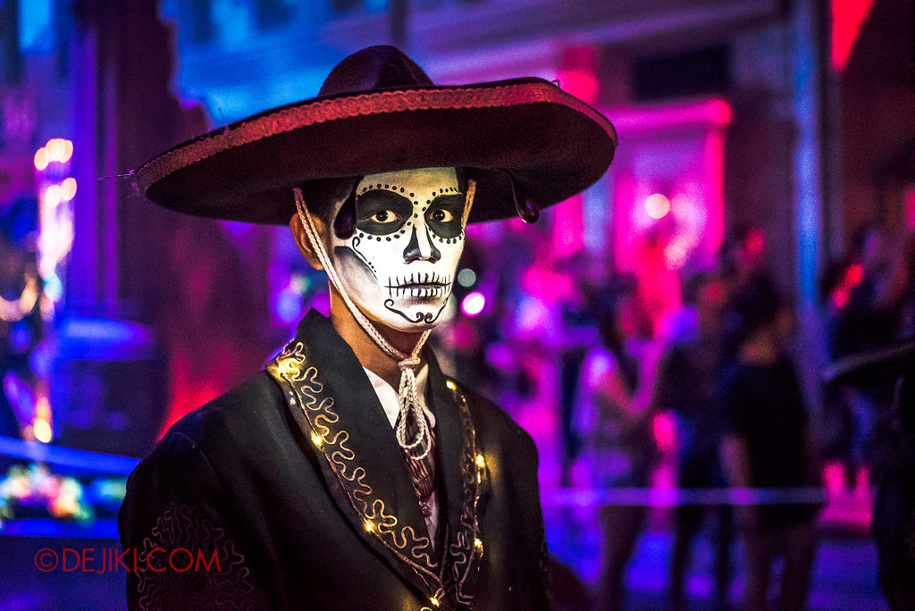 Halloween Horror Nights 6 - March of the Dead / Death March - The Band, drummer surprise