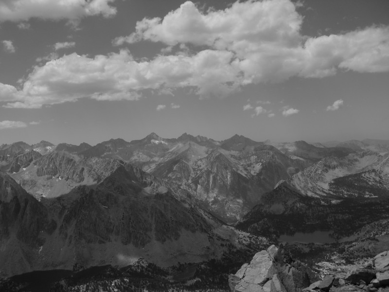 view south west of Kearsarge Pass