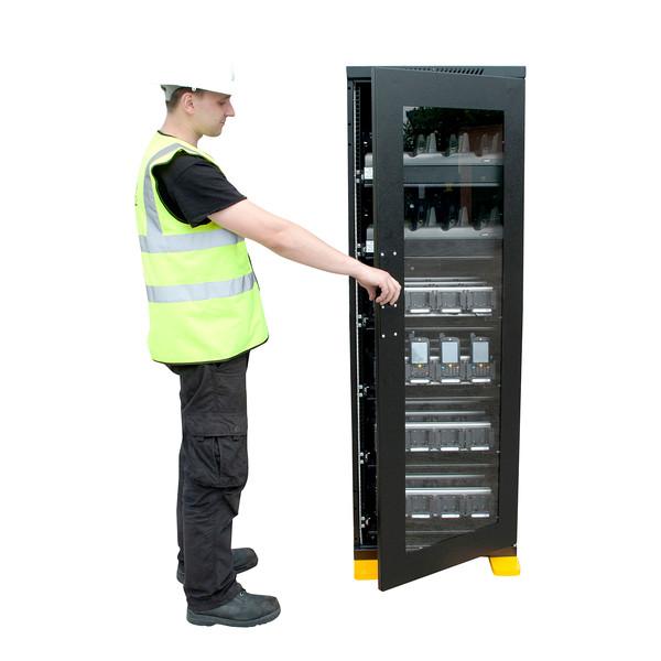 multibay charging cabinet 2 .jpg