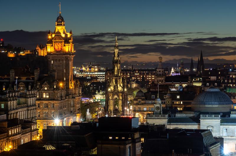 Edinburgh New Town at night