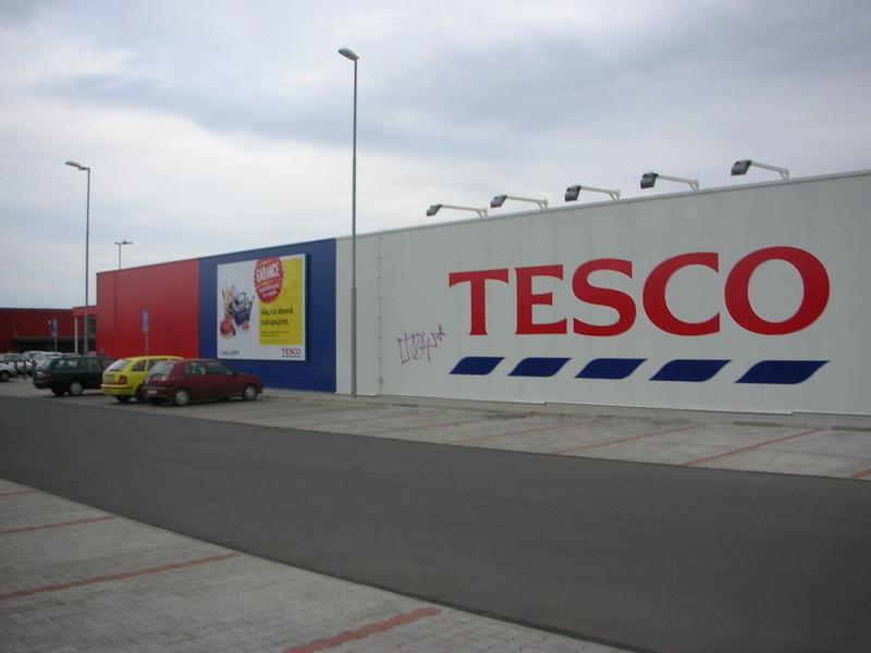 Tesco Roztoky 3.6km.  Also Internet Shop