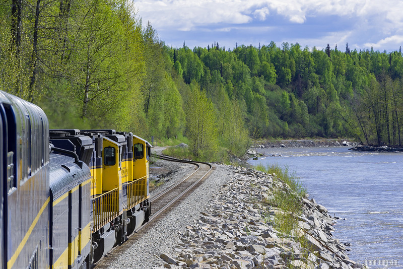 Denali Star Train-6109329-Juno Kim.jpg