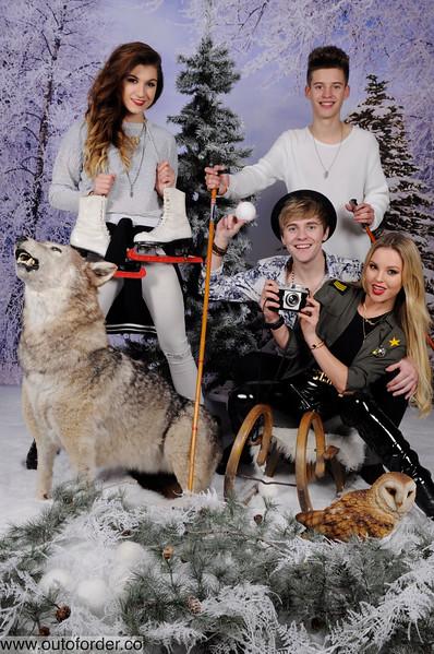 phototheatre-christmas wolf-05.jpg