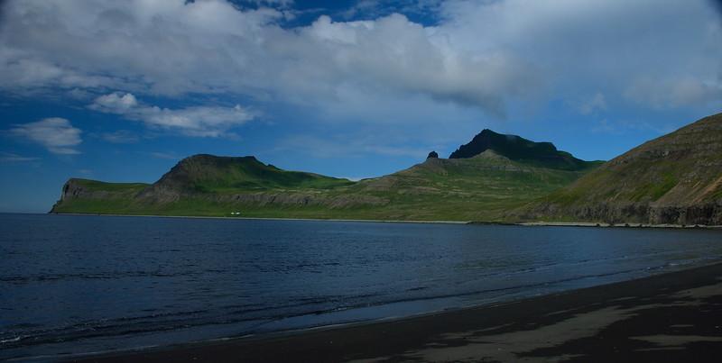 Horn, Ystidalur, Miðfell, Svaðaskarð, Miðdalur, Jörundur, Múli, Kastali, Kálfatindar og Innstidalur.