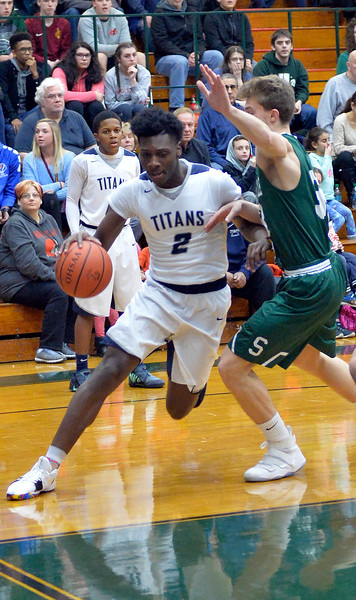 Lorain beats Strongsville to advance to regionals
