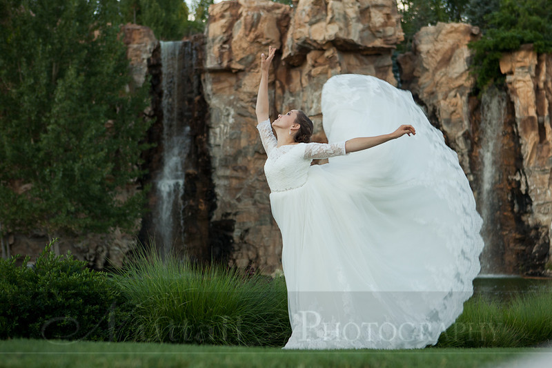 M & M Bridals-343.jpg