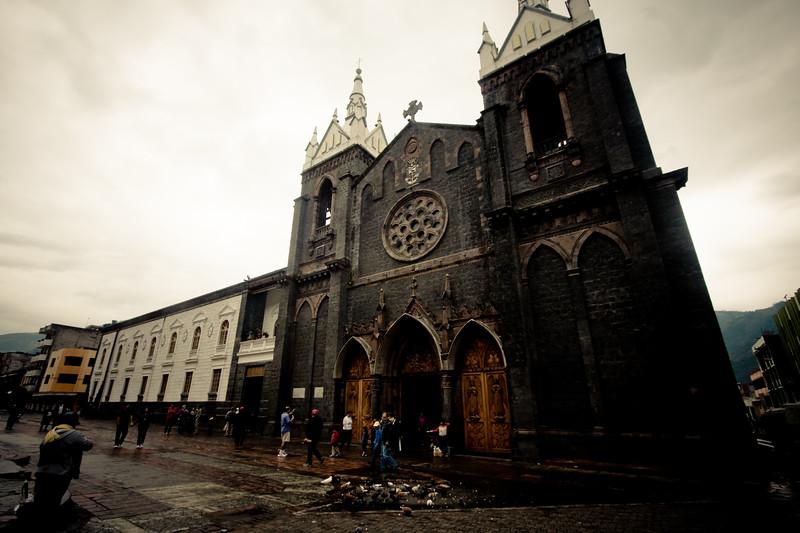 church-in-banos_4888836222_o.jpg