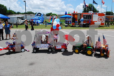 lindale-kicks-off-fourth-of-july-events-early-with-weekend-celebration-featuring-concerts-contests-and-a-childrens-parade