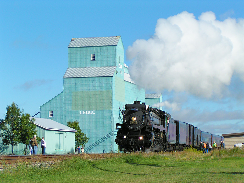 Leduc Heritage Grain Elevator - Train