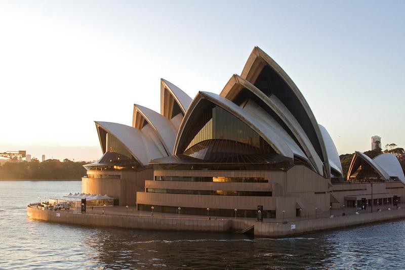 Opera House at Dawn 3.jpg