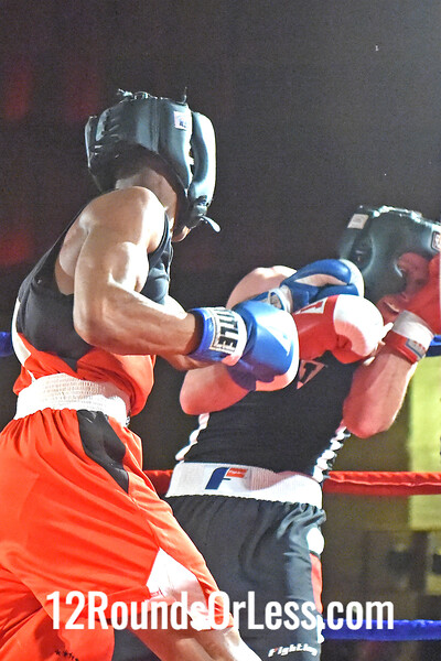Bout 7 Da'Nary Brown, Blue Gloves, Earl B Turner Rec, Cleveland -vs- Ryan Arce, Red Gloves, Evolve MMA, Akron, 141 Lbs, Novice
