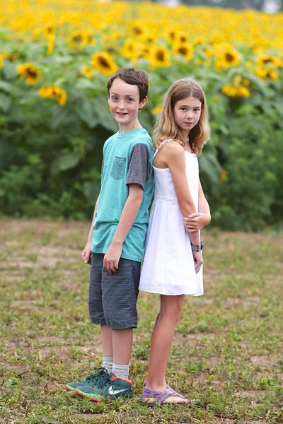 FamilySunflowers_ 148.jpg
