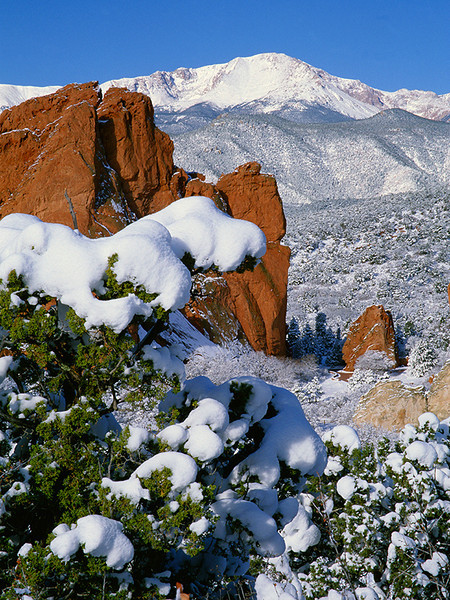 (F010)  Pikes Peak and Garden of the Gods - Winter