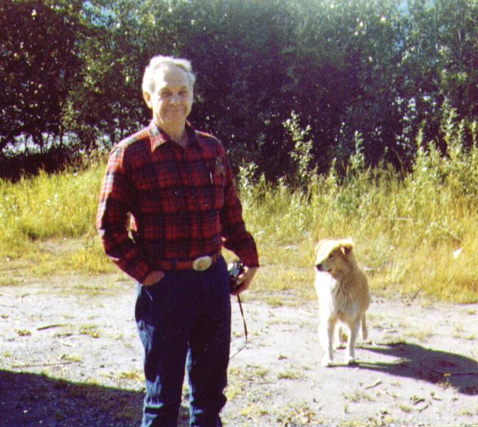 Wayne & Griz near Chilcat River,8-81 - Copy.jpg